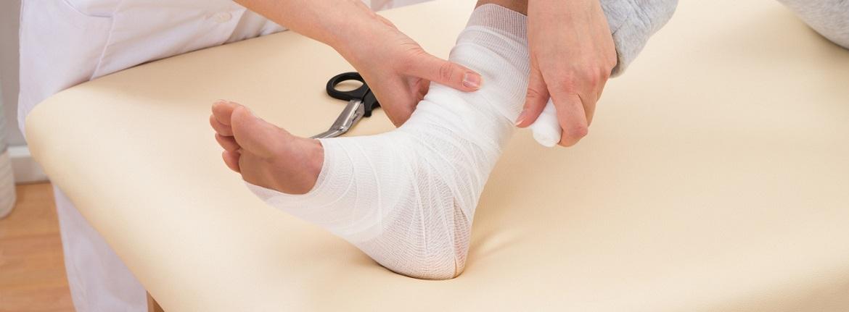 kötszer a lábak varikózisában)