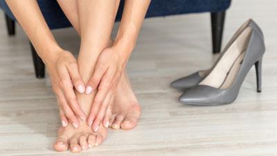 a láb meg van dagadva a visszerektől